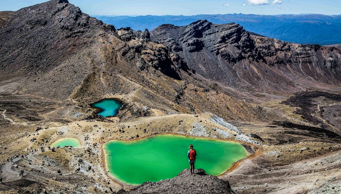 TONGARIRO- -Alpine- CROSSING